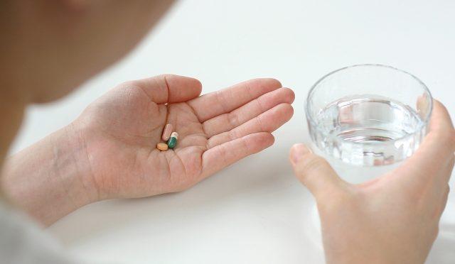 花粉症の薬で副作用を心配しているあなたへ。健康的に花粉症を解決する方法